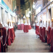 La Confraria de Sant Agustí a un tram de la Processó. Processó Setmana Santa de Felanitx de 2006