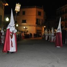 Confrare portant un dels fanals. Processó Setmana Santa de Felanitx de 2010