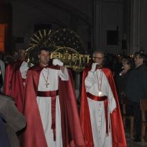 Confrares porten el Crist a la processó de l'Enterrament. Enterrament 2011